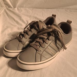 Adidas Women's VS Pace Casual Sneakers size 6.5